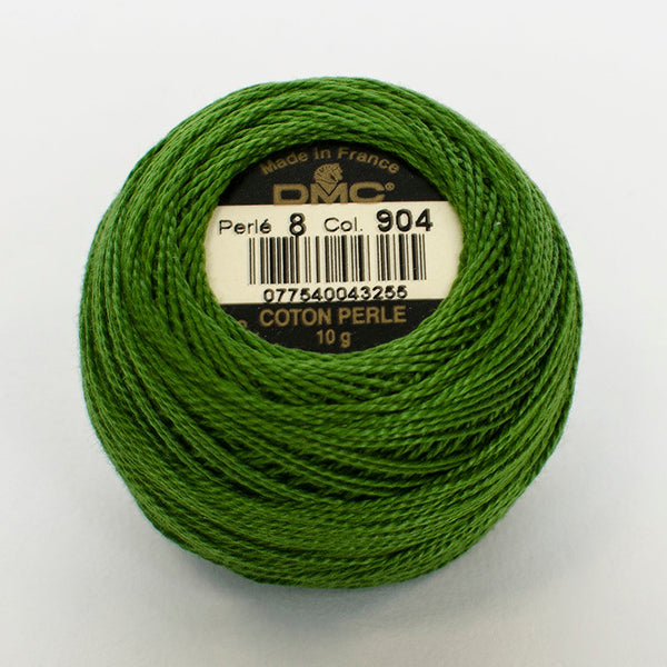 Perle No.8  904 Very Dark Parrot Green