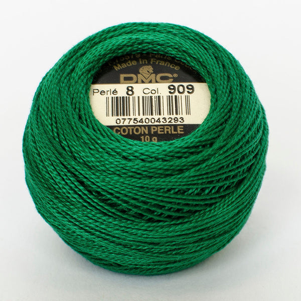 Perle No.8  909 Very Dark Emerald Green