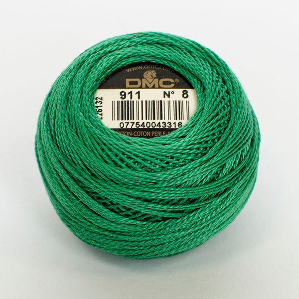 Perle No.8  911 Medium Emerald Green