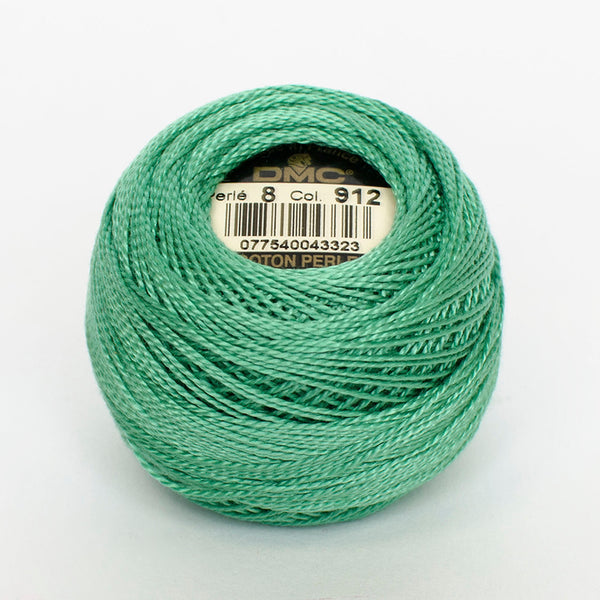 Perle No.8  912 Light Emerald Green