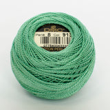 Perle No.8  913 Medium Nile Green