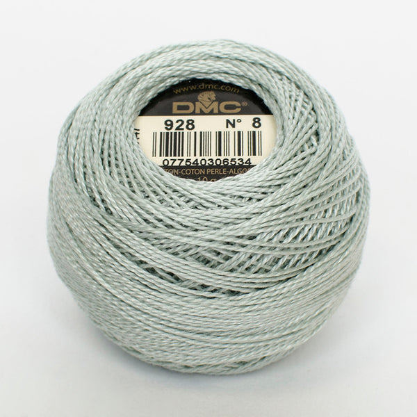 Perle No.8  928 Very Light Grey Green