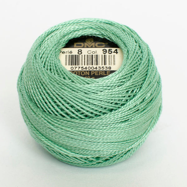 Perle No.8  954 Nile Green