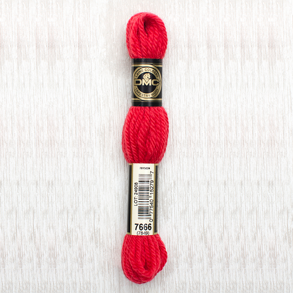 Tapestry Wool  7666 Bright Red
