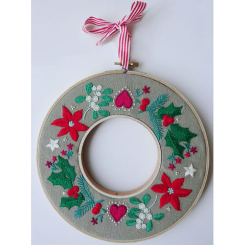 Free Project - Christmas Wreath Stranded Cotton
