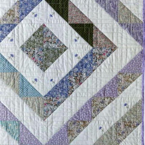 Free Project - English Garden Half square triangle quilt