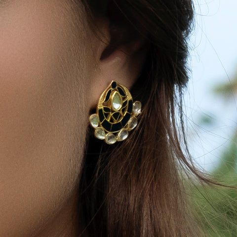 Asra Earrings Black