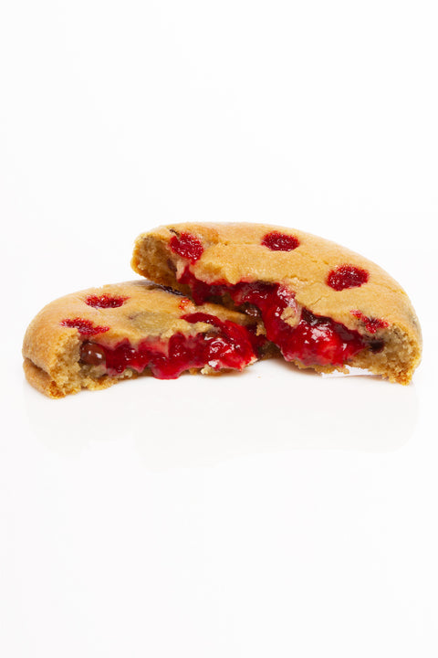 "The ""Monster Cookie"" Dracookie (Vanilla, chocolate chip & strawberries)"