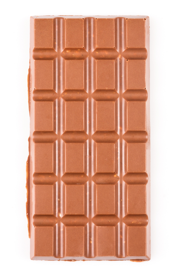 The milk chocolate bar with crunchy hazelnut bits