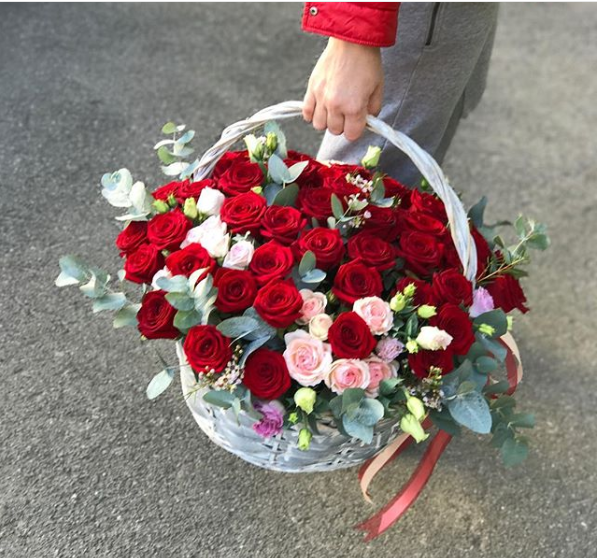 Large basket of roses - K-BLOOMING FLOWERS