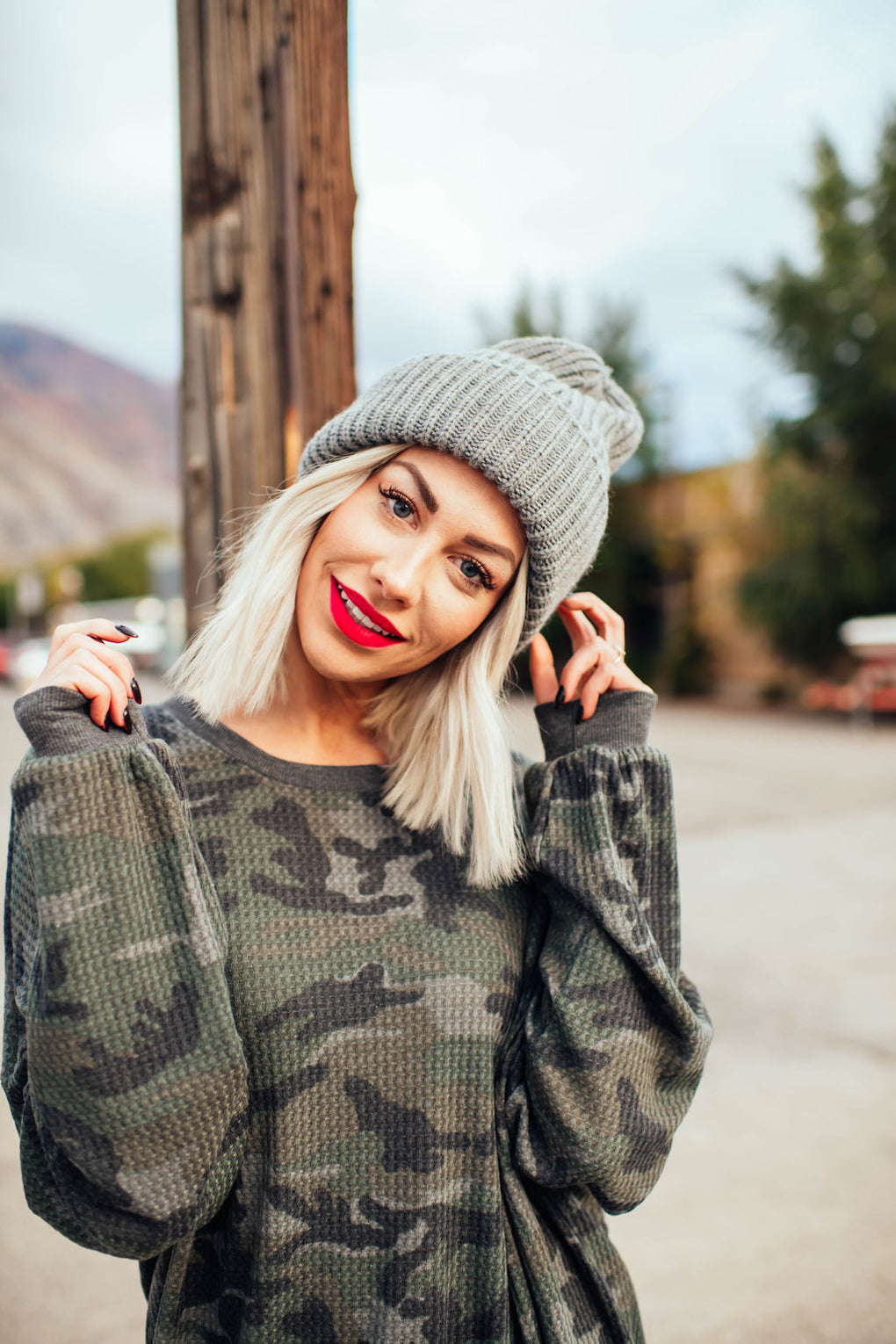 Grunge Chic Beanie in Grey
