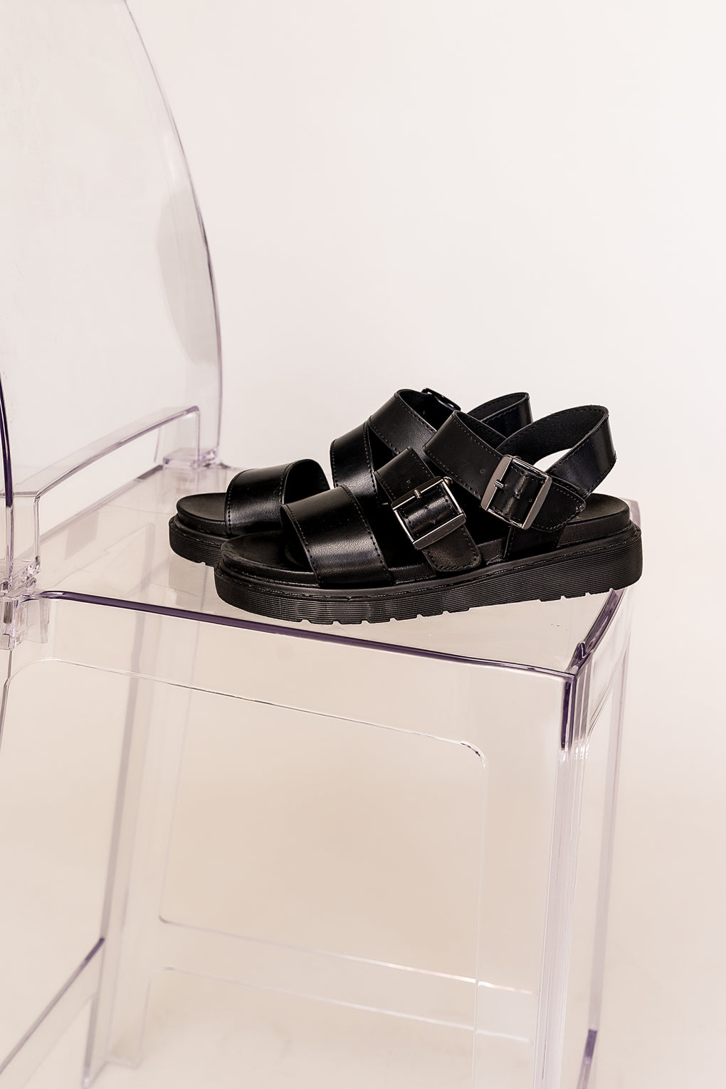 90s Baby Buckle Strap Grunge Sandals in Black