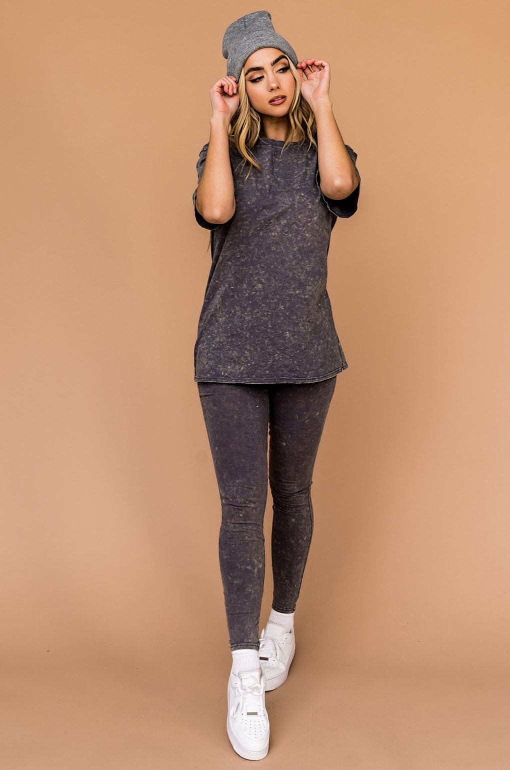 Move and Groove Acid Wash Legging Set in Charcoal