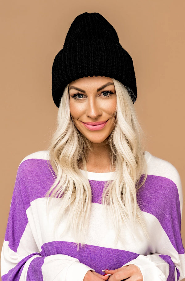 Grunge Chic Beanie in Black