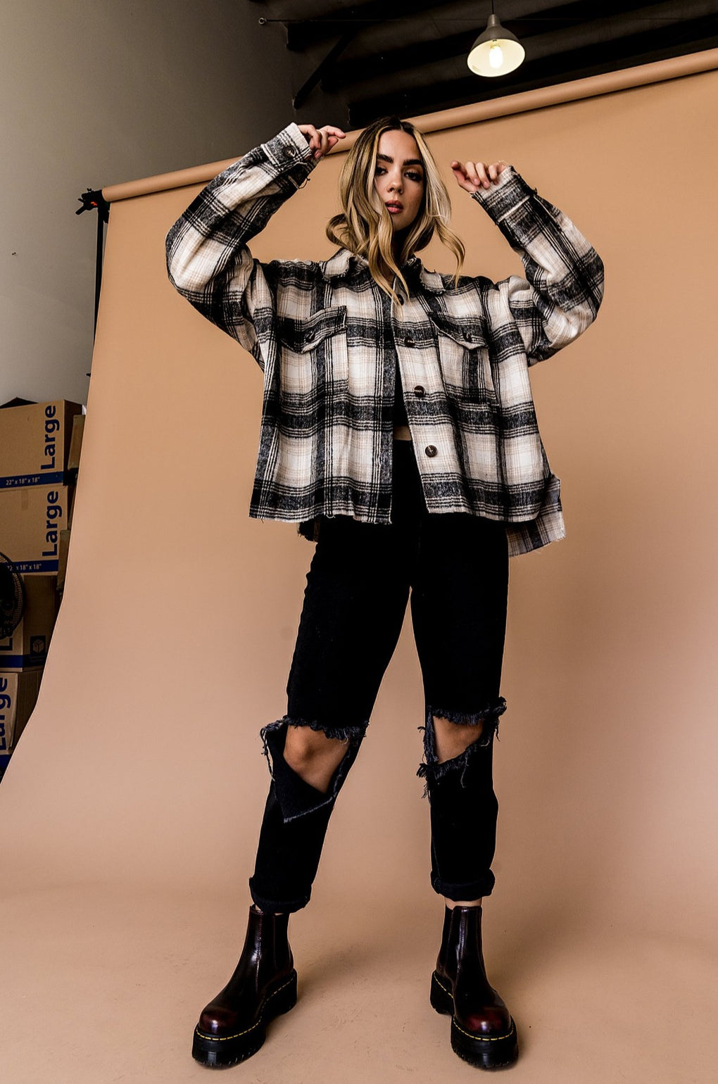 Virgo Plaid Grunge Jacket in Black