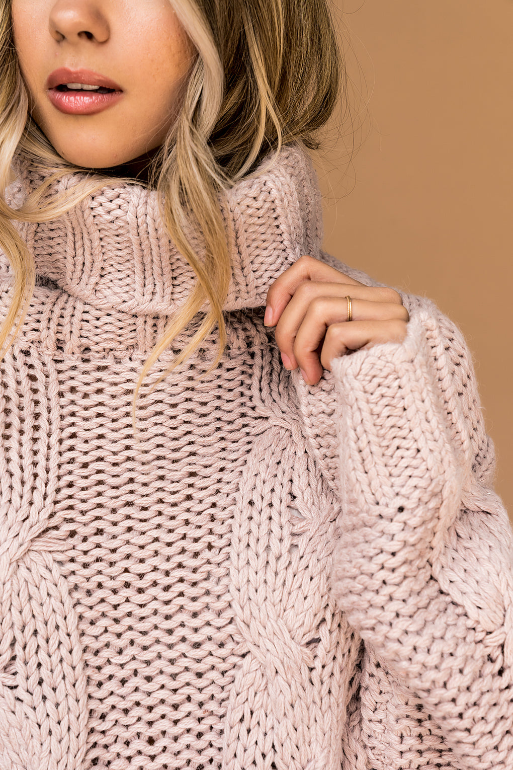 Cozy Girl Cropped Turtleneck Cable Knit