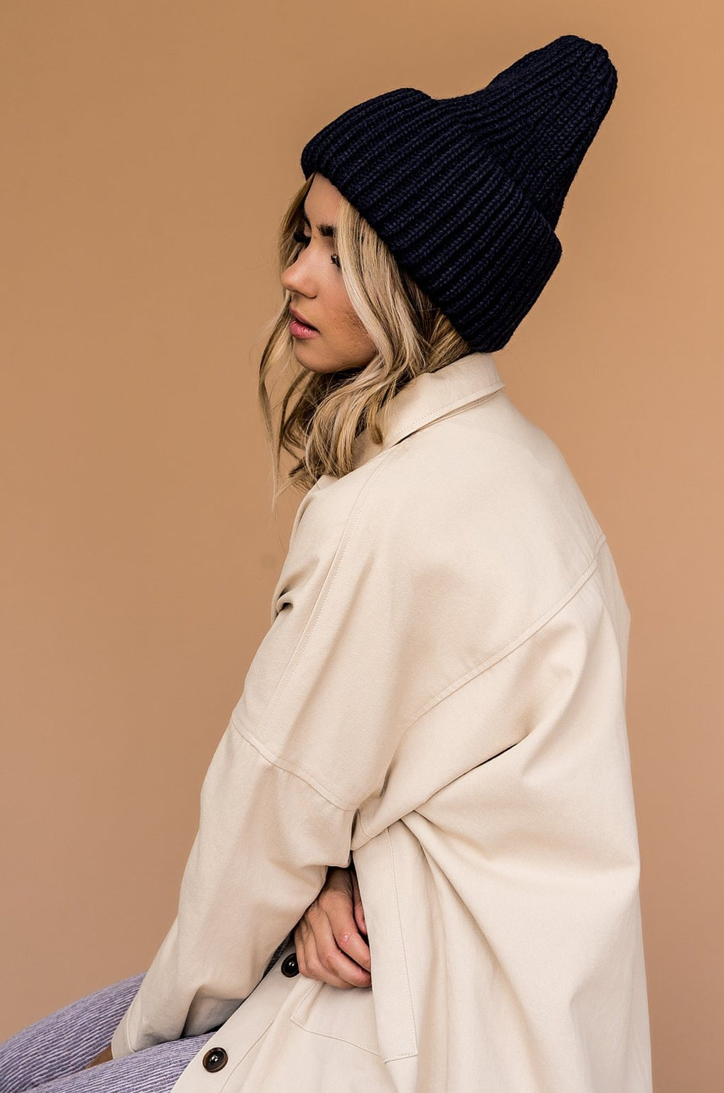 Grunge Chic Beanie in Navy