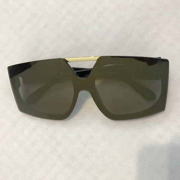 """Flashy "" Thick Framed Sunglasses"