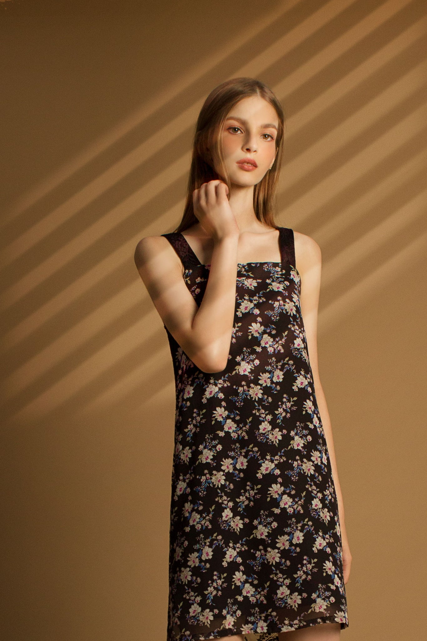 Floral Lace Reversible Dress (black)