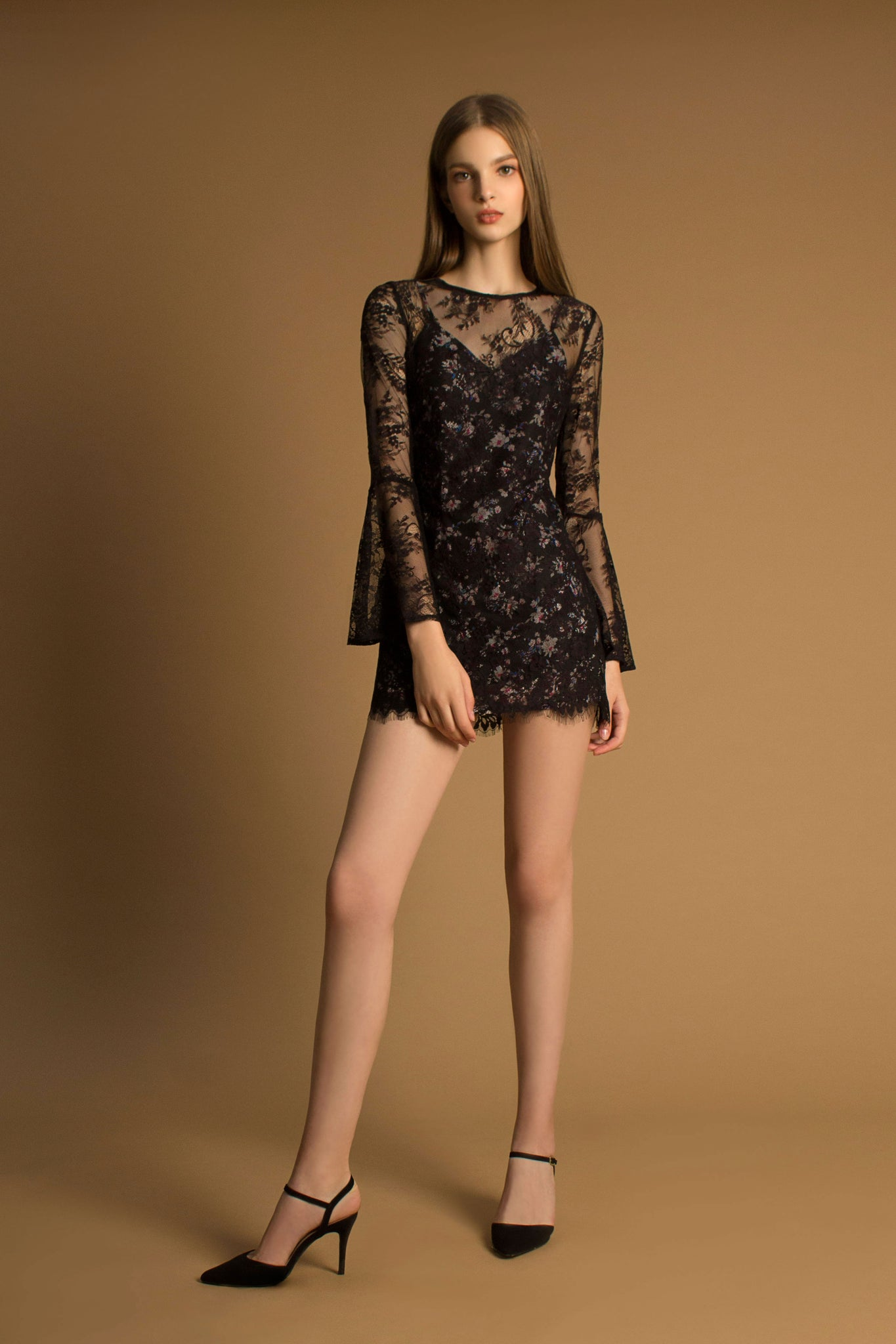 Lace Floral Bell Sleeves Dress (black)