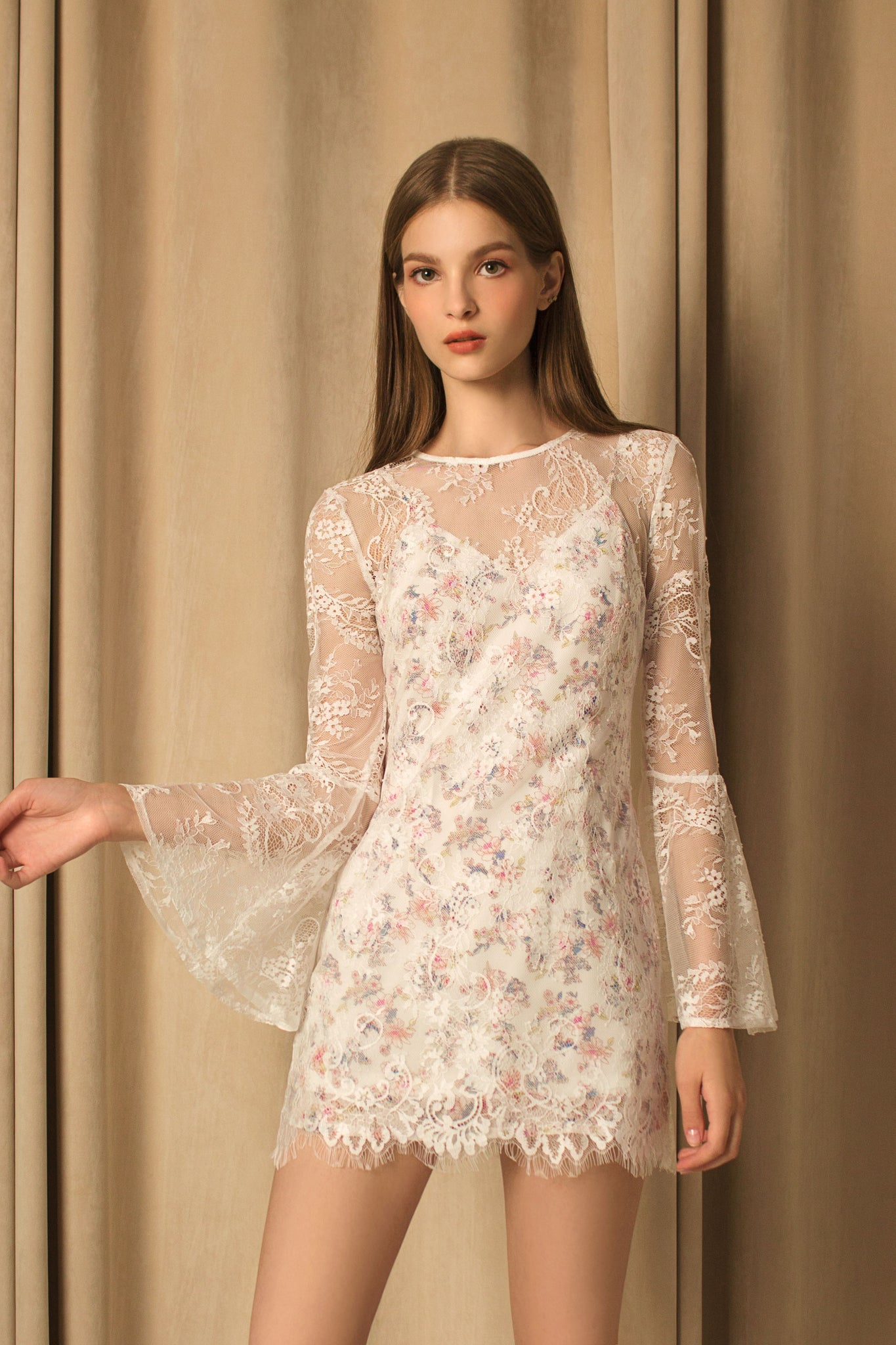 Lace Floral Bell Sleeves Dress (white)