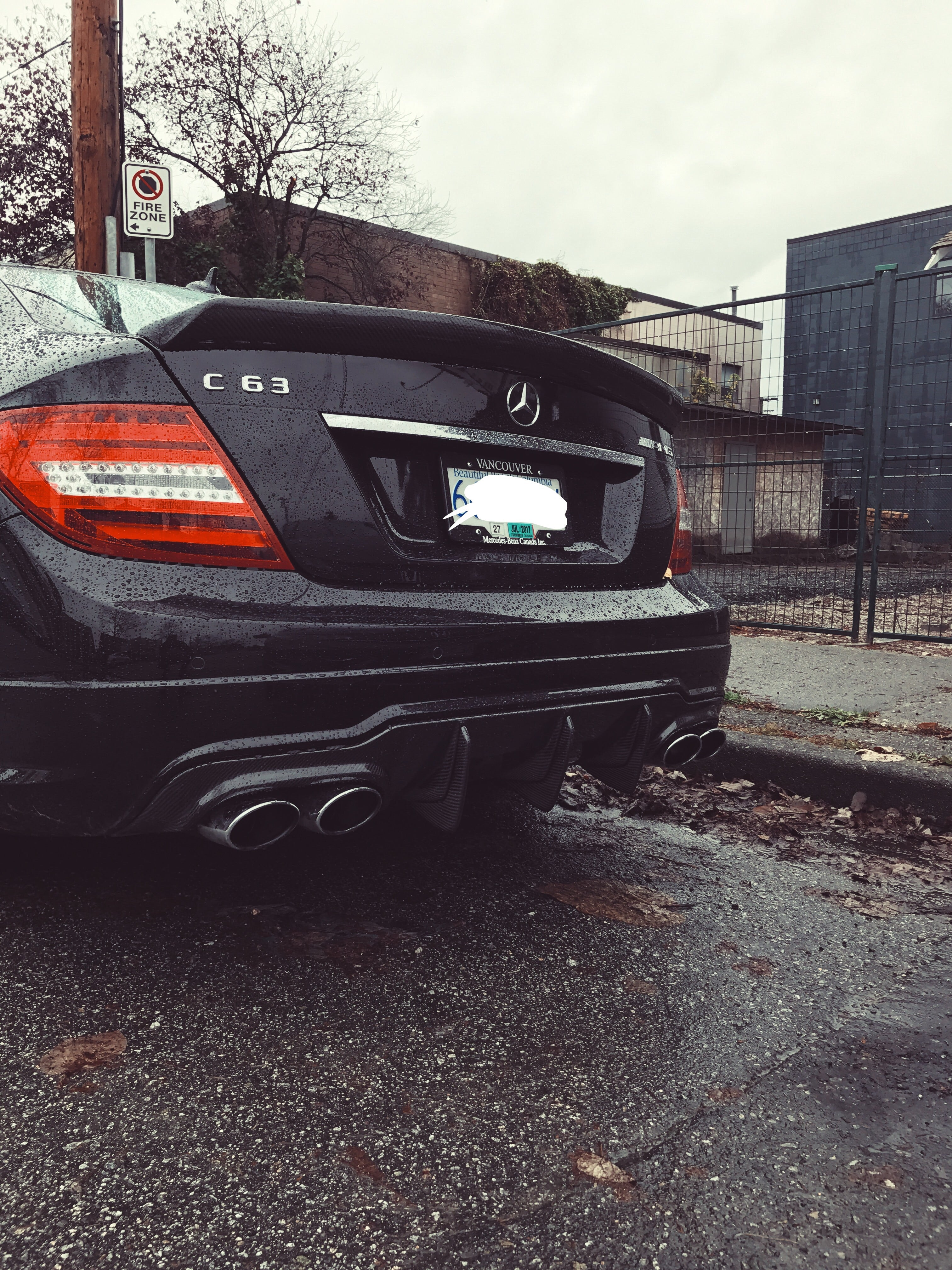 W204 Pre Facelift C63 Carbon Big Fin Diffuser