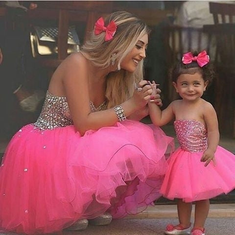 Outstanding Tulle Strapless Neckline Ball Gown Flower Girl Dresses With Rhinestones FD085