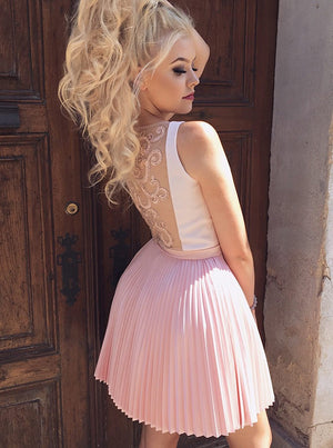Outstanding Satin & Tulle V-neck Neckline Short A-line Homecoming Dresses HD277