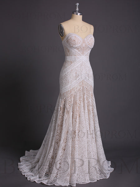 Fashionable Lace Sweetheart Neckline Chapel Train Sheath Wedding Dresses WD121
