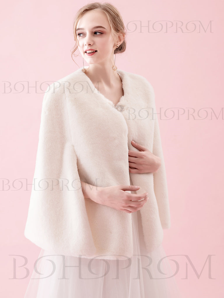 27cb559aae3 Warm White Shawl Faux Fur Wraps For Winter Wedding Or Prom Party SW001