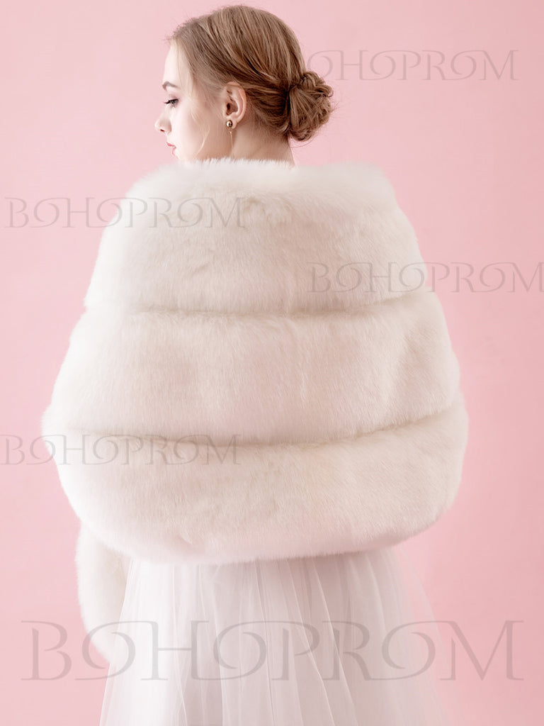 Chic Faux Fur Women's Shawl In Winter Ivory Warm Wraps SW003