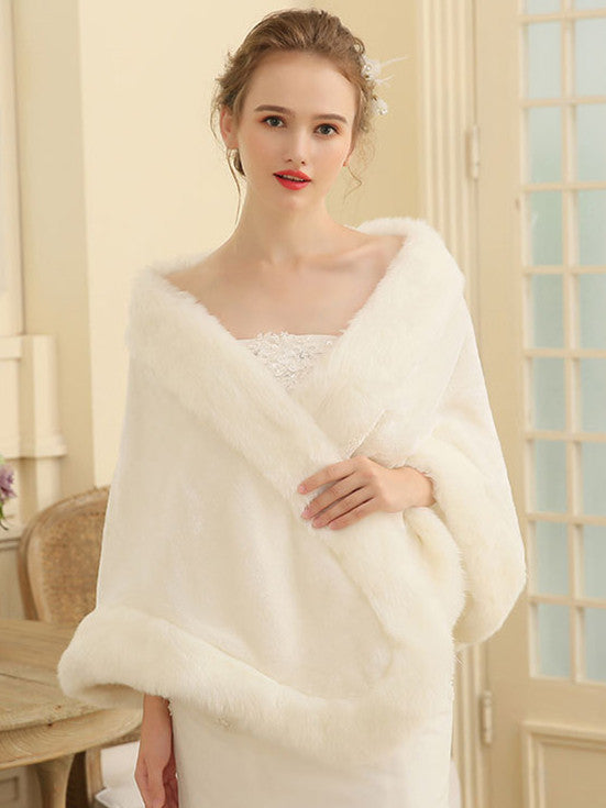 Glamorous Faux Fur Shawl For Women In Winter Party SW010