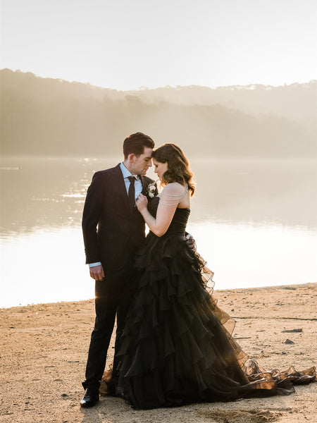 Unique Sweetheart Black Wedding Dresses Tulle Tiered A-line Gowns WD242