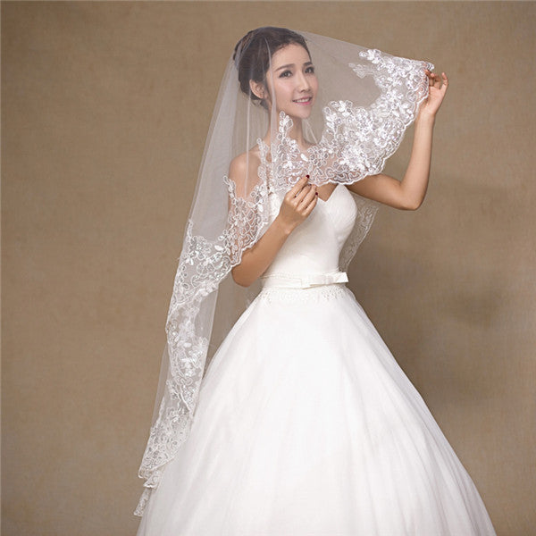 Graceful Tulle Sequined Short Wedding Veil With Appliques WV014