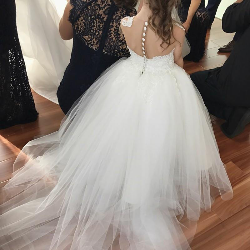 BohoProm Flower Girl Dresses Charming Tulle Jewel Neckline Ball Gown Flower Girl Dresses With Appliques FD076