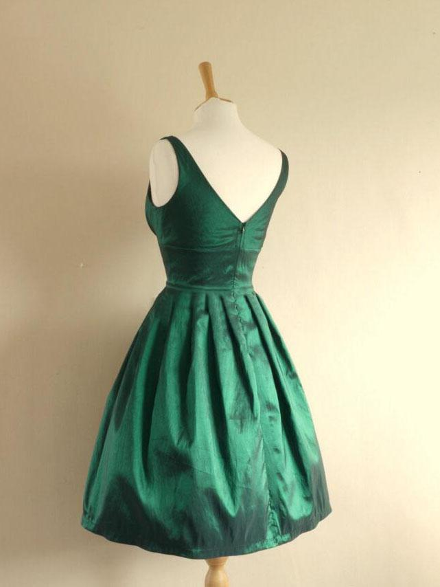 BohoProm homecoming dresses Gorgeous Satin V-neck Neckline Short Length A-line Homecoming Dress HD058