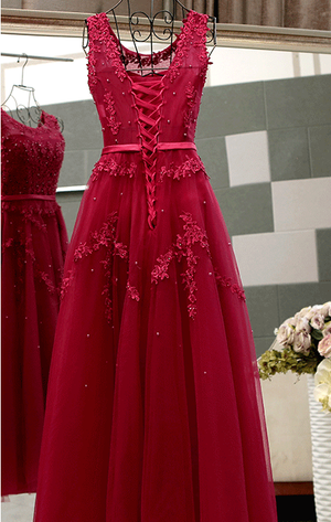 BohoProm prom dresses A-line Scoop-Neck Floor-Length Tulle Appliqued Beaded Red  Prom Dresses ASD26985