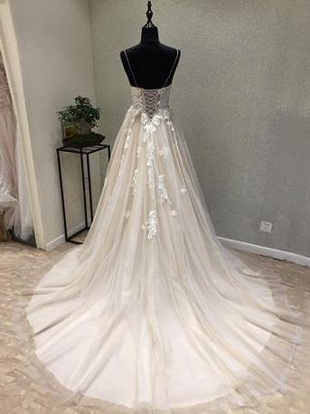 products/bohoprom-wedding-dresses-a-line-spaghetti-strap-chapel-train-tulle-appliqued-wedding-dresses-with-flowers-swd033-280645468177.jpg