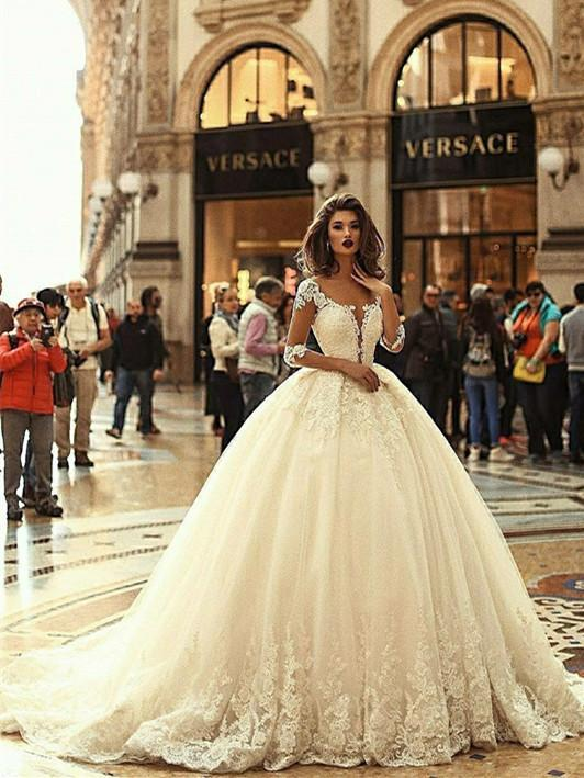 Exquisite Tulle Bateau Neckline Ball Gown Wedding Dresses With