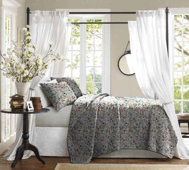 Haus & Sie Floral Spring Bed in a Bag Bedding Set
