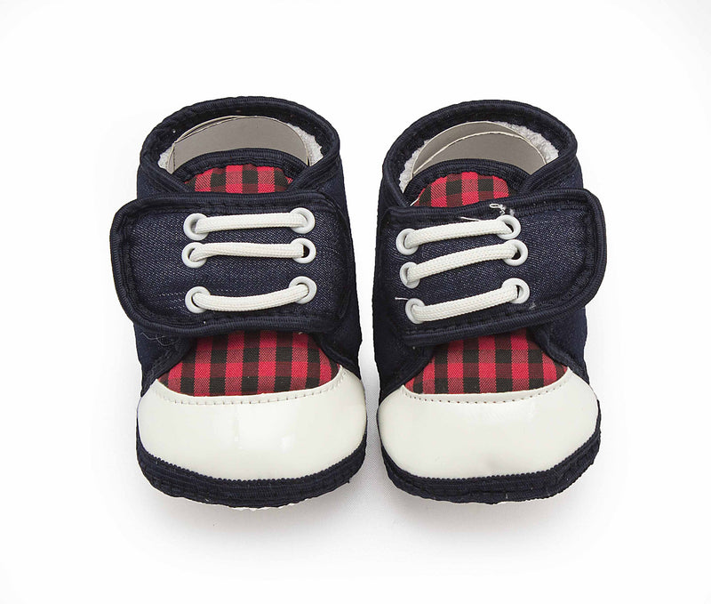Zap Diaries Red and Black Baby Checks Printed Booties