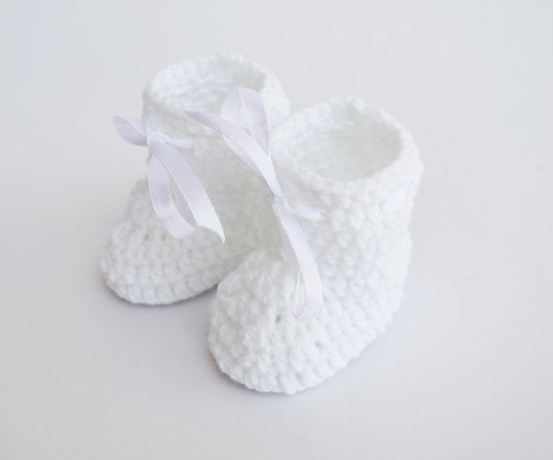 Love Crochet Art White Knitted Ankle Booties
