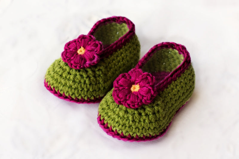 Love Crochet Art Green and Pink Knitted Flower Booties