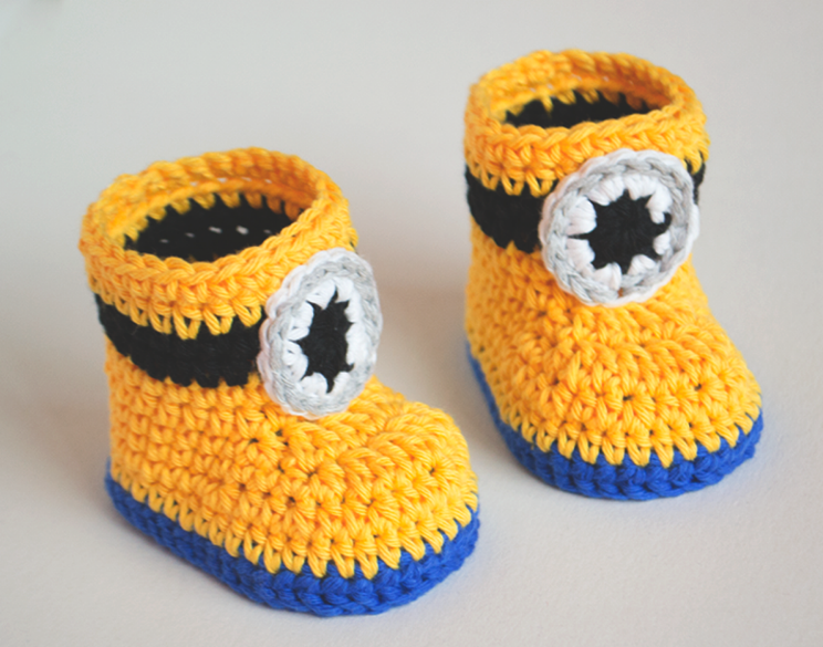 Love Crochet Art Yellow Knitted Minion Ankle Booties