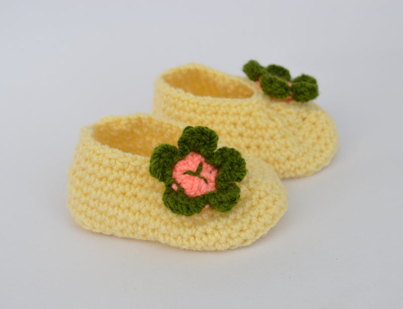 Love Crochet Art Yellow and Green Knitted Flower Booties