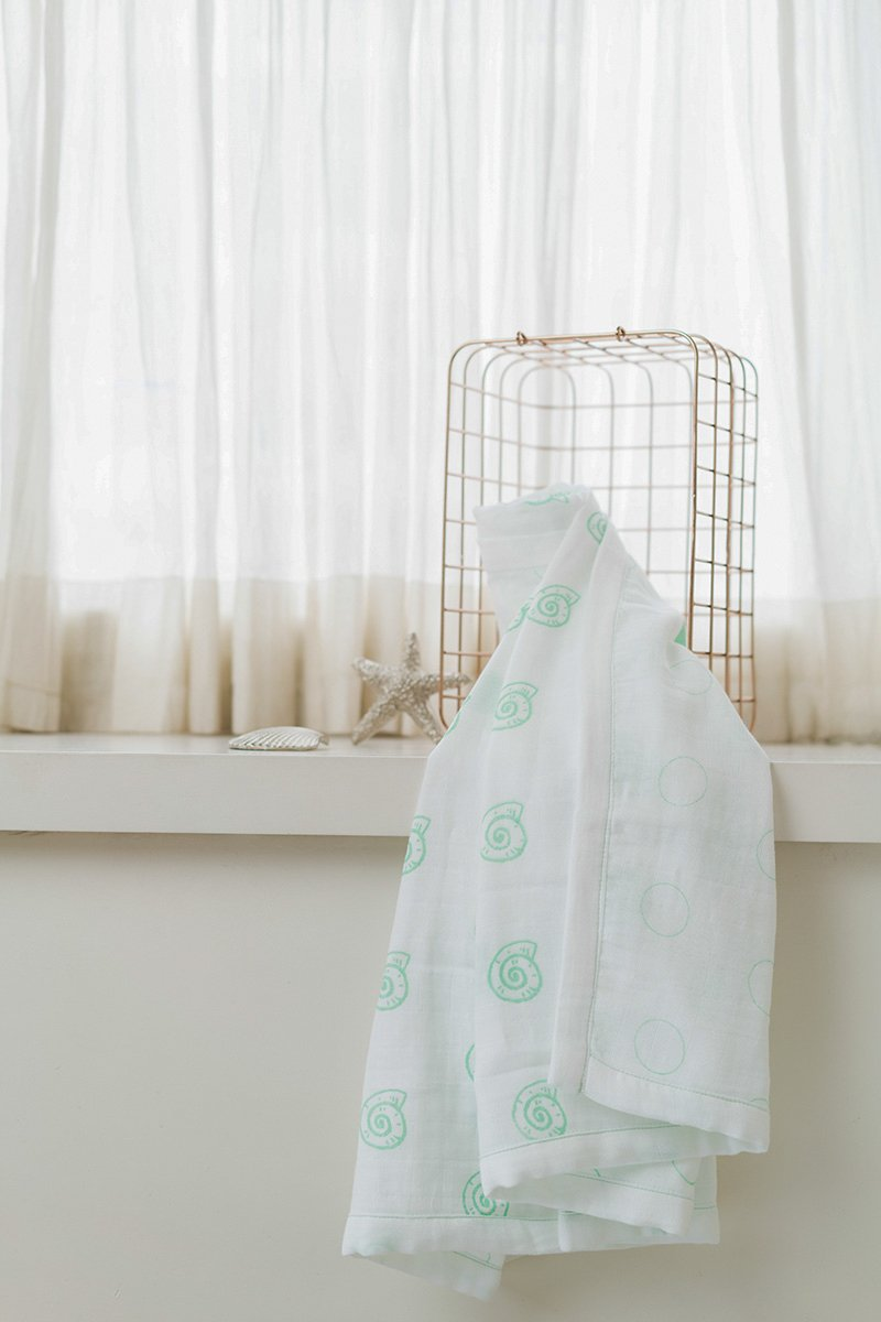 Pearly Shell Organic Cotton Blanket/ Dohar in Green