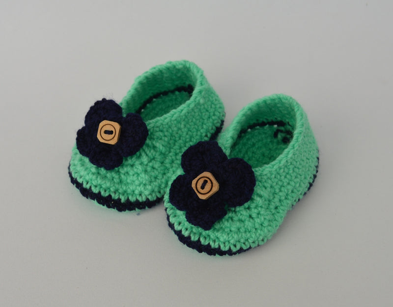 Love Crochet Art Pista Green and Blue Knitted Flower Booties