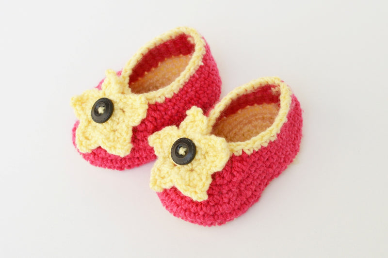 Love Crochet Art Pink and Yellow Knitted Flower Booties