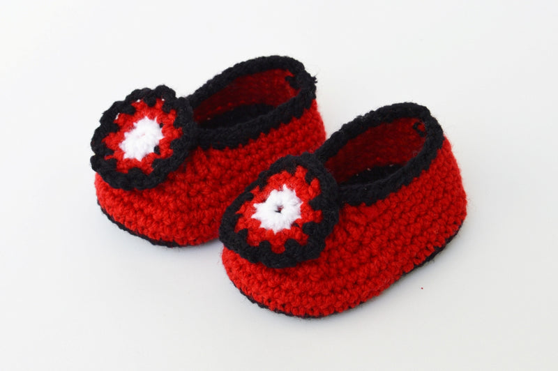 Love Crochet Art Red and Black Knitted Flower Booties