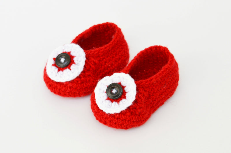 Love Crochet Art Red and White Knitted Flower Booties